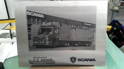 Spiegel graveren Scania.jpg