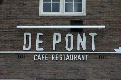 Gevelletters De Pont.jpg
