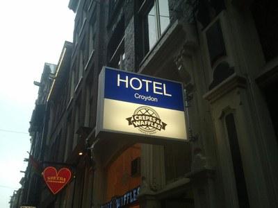 Lichtbak Hotel Croydon.jpg