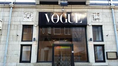 Reclamebord Vogue.jpg