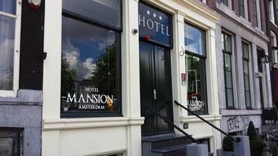 Raamstickers Hotel Mansion.jpg